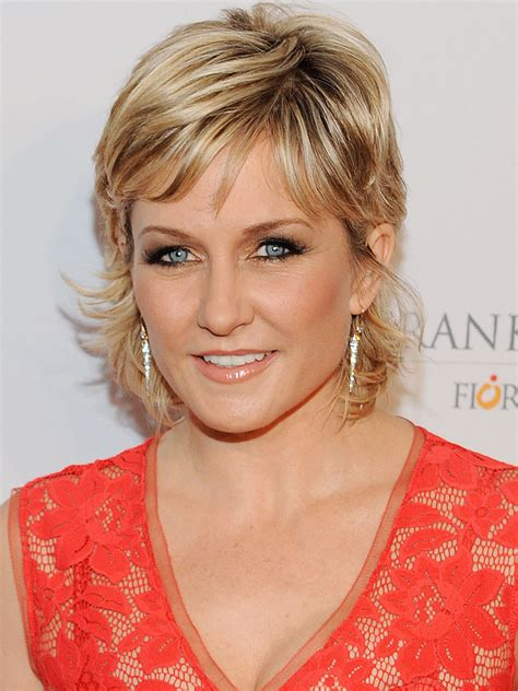 lindas hairstyle on blue bloods amy carlson actor tv guide