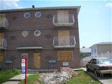 house for sale in hollis ny 187 10 90th ave hollis ny 11423 bank foreclosure info reo properties and bank