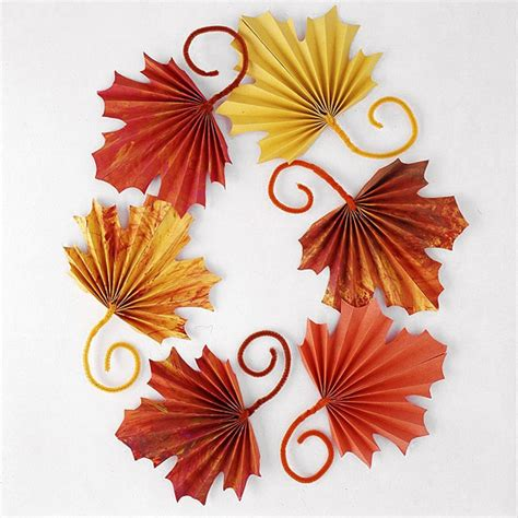 Paper Leaf Craft - fan folded paper leaves a thanksgiving craft for