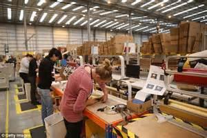 amazon jobs amazon to create 1 000 new full time jobs in 8