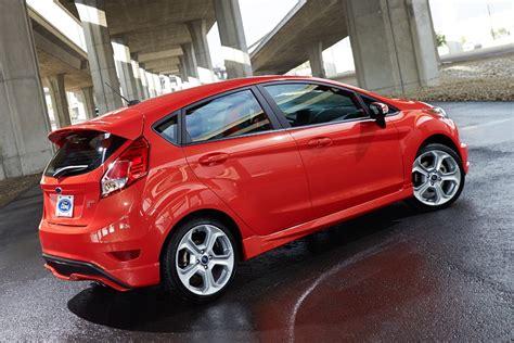 Spoiler Traseiro Ford New Fiesta St Sem Pintiura R 99900 No | spoiler traseiro ford new fiesta st sem pintiura r 899