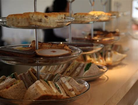 thames river cruise and afternoon tea book a river thames afternoon tea cruise attractiontix