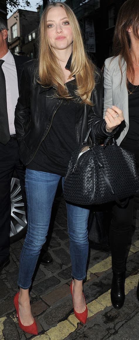 annabelle doll soho amanda seyfried upgrades casual style with brian