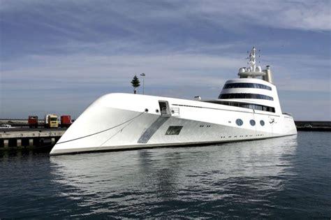 buy a boat marbella atraca en pasaia el quot megayate quot del multimillonario ruso