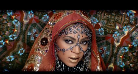 coldplay testi e traduzioni coldplay beyonce quot hymn for the weekend quot testo e