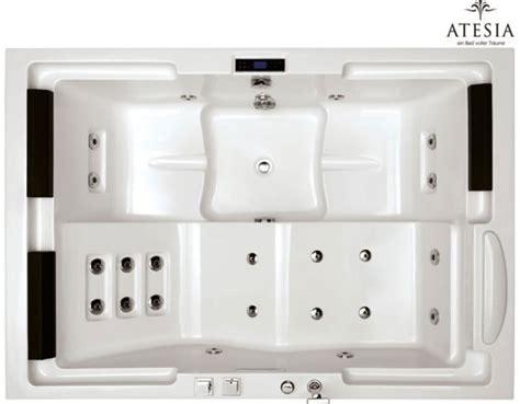 maui bathtub atesia s maui bathtub with lcd tv for luxurious relaxation extravaganzi