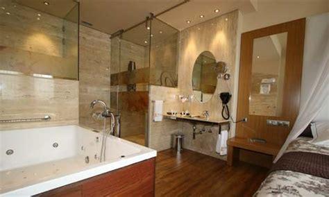 habitacion suite con jacuzzi las habitaciones y suites con jacuzzi hotel spa felisa