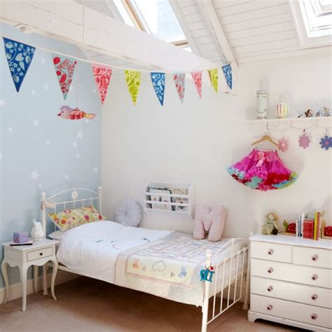 ideas for 23 year old girls bedroom 3quarter bed let s play with room ideas midcityeast