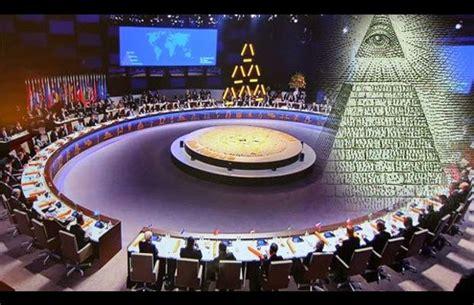 la cospirazione degli illuminati l agenda degli illuminati crisi economica terza guerra