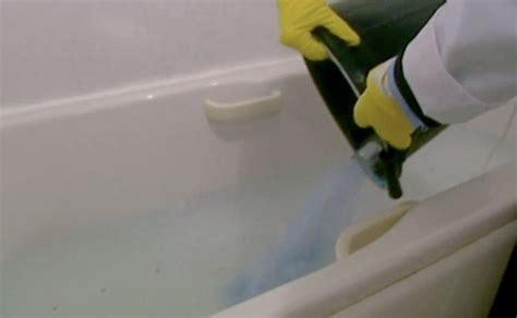 pulire la vasca da bagno come pulire la vasca da bagno e l impianto dei tubi con