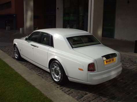 roll royce phantom white white rolls royce phantom car hire wedding cars manns