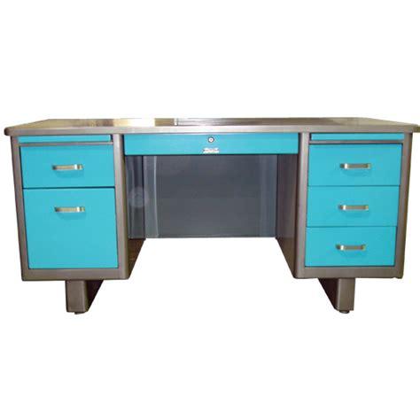 Metal Desks For Office Holga Vintage Airliner Series Tanker Desk 1960 S Office Desk Retro Office Desk Vintage