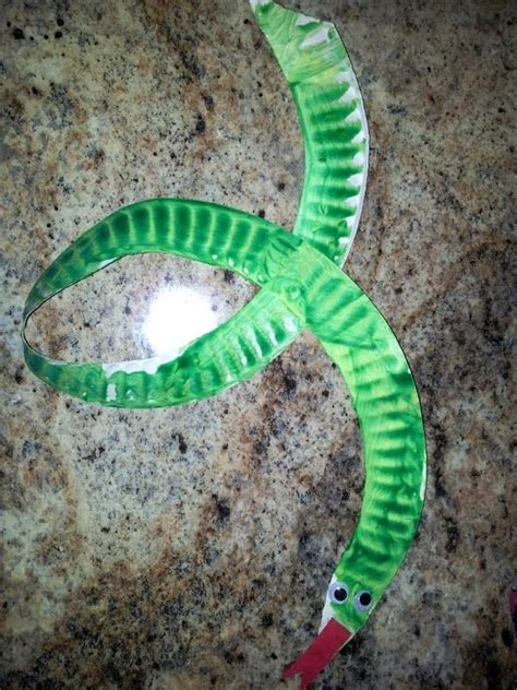 How To Make A Paper Worm - paper plate snake preschool worms and snakes