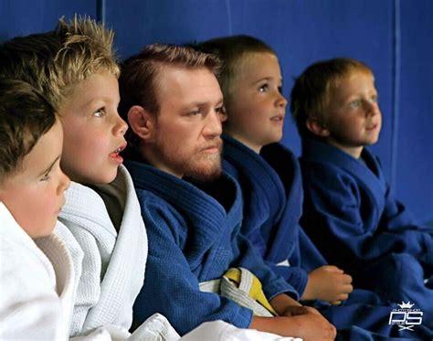 It Only Smellz Meme - conner mcgregor showed up for jiu jitsu class lavender