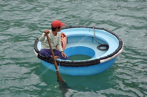 round boat price vietnamese round boat stock editorial photo 169 tinajeans