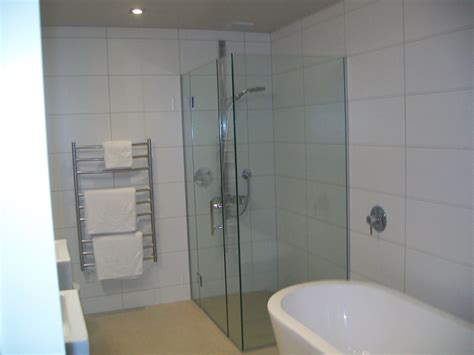 White Grout In Shower by Large White Tiles Grey Grout Bathroom