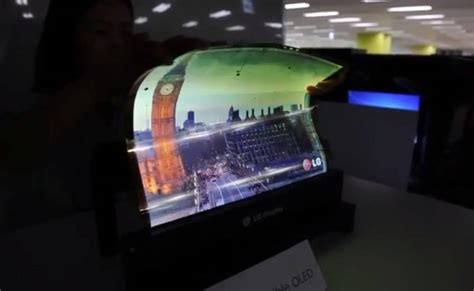 Home Design Shows 2014 by This Demo Of Lg S 18 Inch Flexible Display Looks Unreal