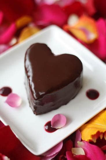 20 bright valentines day ideas to create traditional yet