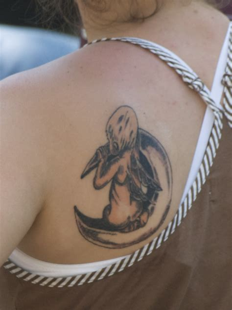crescent moon tattoo moon tattoos designs ideas and meaning tattoos for you