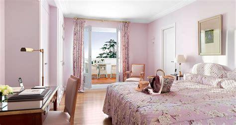 chambre adulte rose pale et beige