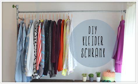 Kleiderstange An Wand Befestigen by Kleiderstange Aus Wasserrohren Felicity Diy