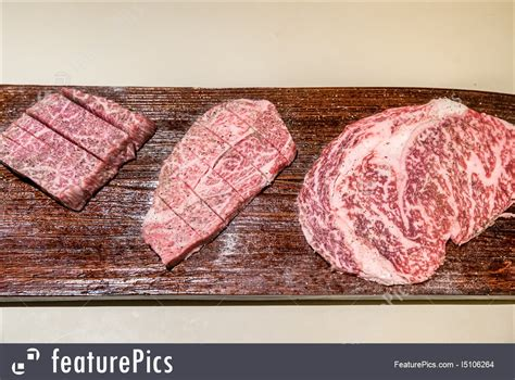 Wagyu Sirloin Mb 4 5 1 products wagyu beef stock photo i5106264 at