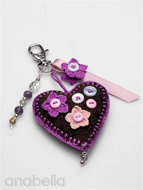 Handmade Keychain Ideas - anabelia craft design corazones