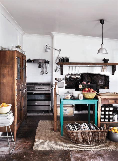 barossa kitchen designer cherie hausler and damien feuerherdt s barossa home the kitchen has its original concrete floor