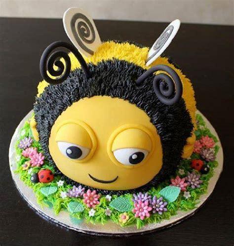 how to make the hive buzzbee disney birthday cake