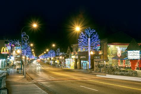 lights in gatlinburg tn gatlinburg pigeon forge events plan your getaway