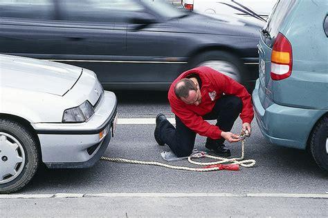 Auto Abgeschleppt Kosten by Bilder Die Wichtigsten Abschleppregeln Bilder Autobild De