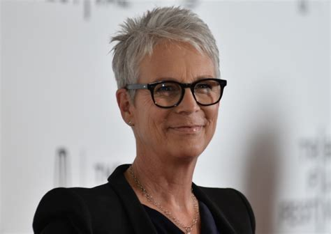 jamie lee curtis twin jamie lee curtis to star in ep funeral home comedy at cbs