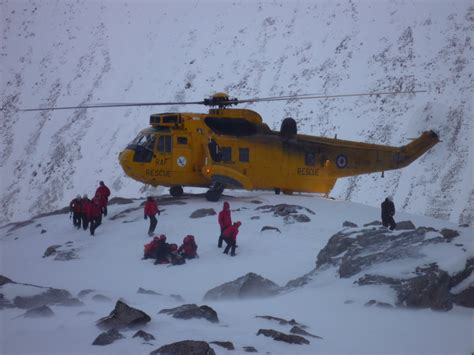a rescue scottish mountain rescue