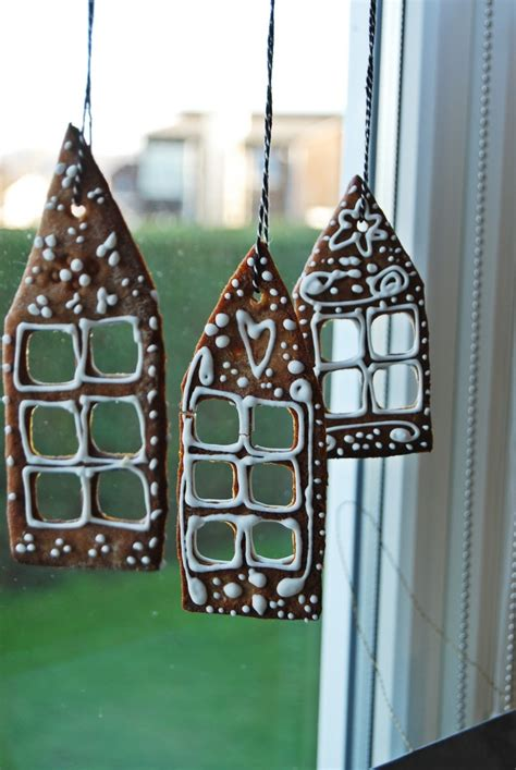 window spraysnowglo christmas windowdecoration window decoration ideas homesfeed