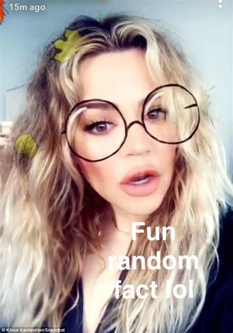 big hair is coming back khloe kardashian s curls coming back after pregnancy