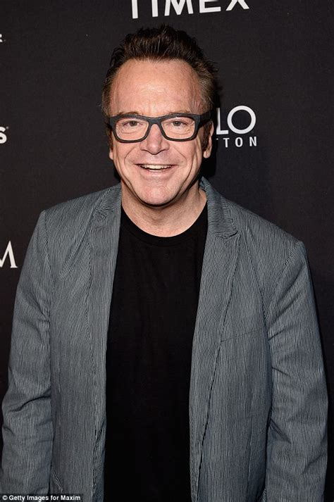tom arnold uk tom arnold pleads for tighter gun control laws after