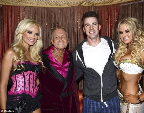 hugh hefner bedroom hugh hefner puts crystal harris bedroom revelations behind