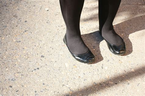 this is she vs this is her pain in the english ballet flats flip flops love vs pain