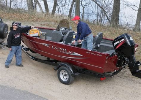 lund boats 1825 rebel xl 2012 lund 1825 rebel xl ss buyers guide us boat test