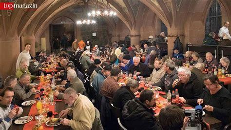 weihnachtsgans essen in frankfurt weihnachtsgans essen im r 246 mer prominente kellnern f 252 r
