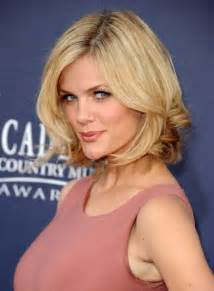 2015 summer hairstyles 50 chic layered bob cut for women brooklyn decker short