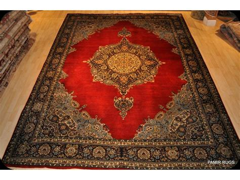 Fine Quality Persian Handmade Knotted Red Background Wool Handmade Rugs