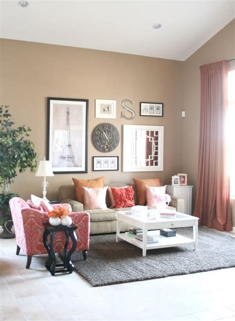 what color of curtains pillows will match tan couch
