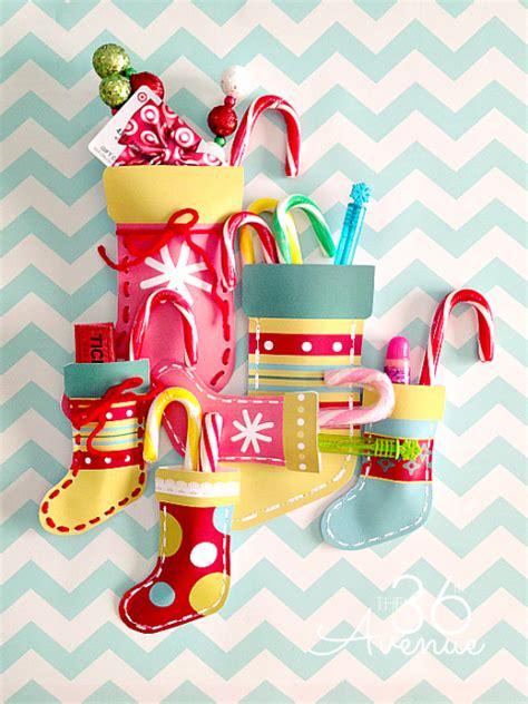 Easy Holiday Kids Crafts - hello wonderful 8 cheerful diy christmas stockings