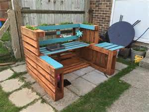 Portable Kitchen Island With Bar Stools Diy Outdoor Pallet Kitchen Recycled Pallet Ideas