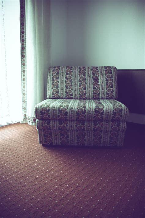 Kursi Lantai gambar meja retro ungu kursi lantai tua warna