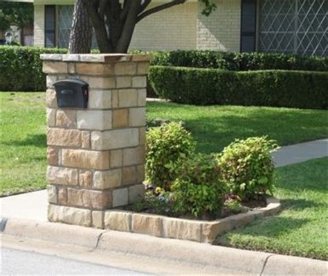 Brick Mailbox With Planter by Brick Mailbox W Flower Box Ideas For The House