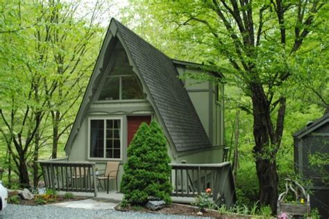 700 sq ft cottage comes with a 20x50 boat slip for your 700 sq ft simple living cabin small spaces pinterest
