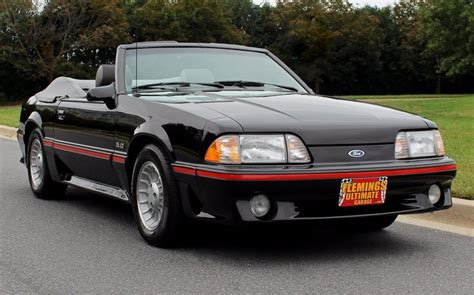ford mustang  ford mustang gt convertible