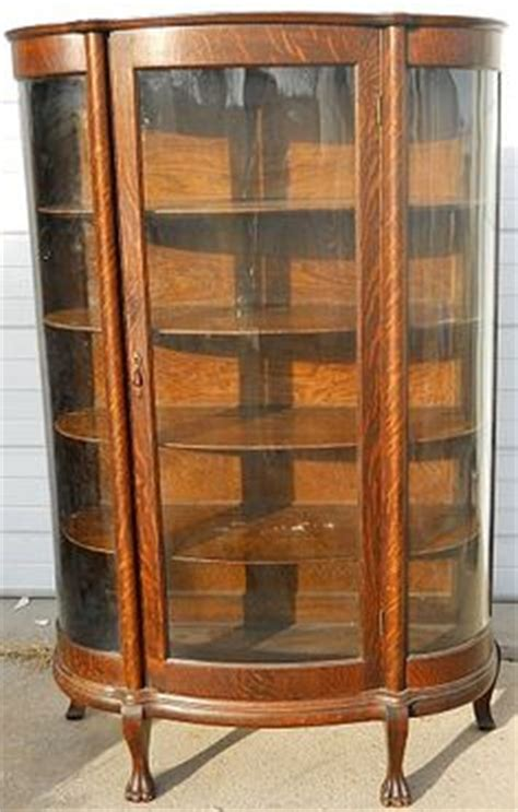 what is my curio cabinet worth 1000 images about curio cabinet on curved